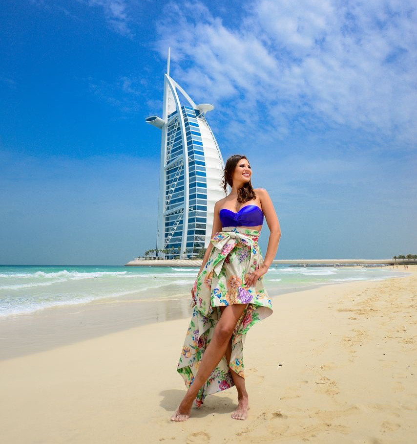 girls-in-dubai-nakee